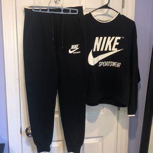 Nike Women's Sportswear Sweatsuit